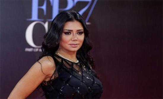 رانيا يوسف: جسمي مميز عشان كدة تثير الجدل !