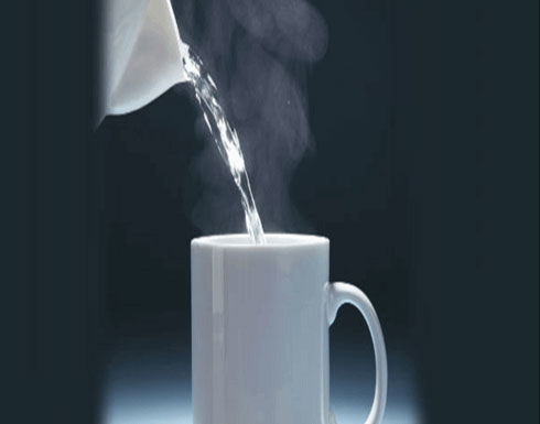 فوائد الماء الساخن في الصباح! اكتشفوها