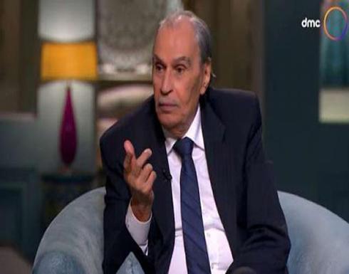 آخر لقاء تلفزيوني للراحل عزت العلايلي.. هل كان يشعر برحيله؟ (فيديو)