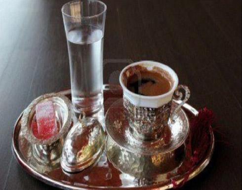 تناول كوب ماء قبل القهوة يحارب الاكتئاب