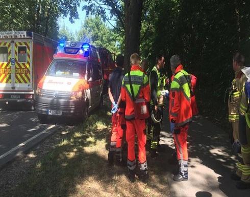 سقوط 14 جريحاً بعملية طعن في حافلة شمالي ألمانيا