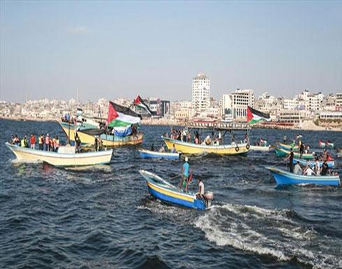 مسيرة  بحرية  تنطلق من  شاطئ  غزة  للمطالبة برفع  الحصار الإسرائيلي