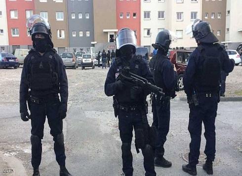 مسلح يحتجز رهائن في تولوز جنوبي فرنسا