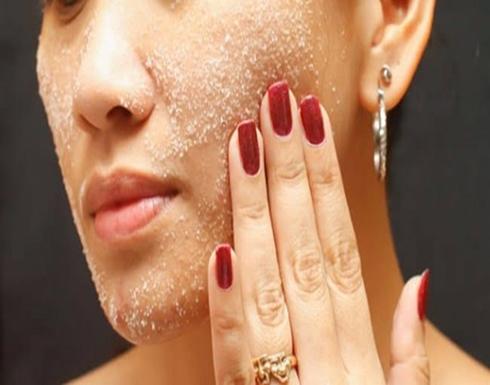 للبشرة الدهنية .. الملح أرخص طريقة لعلاج حب الشباب