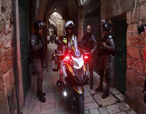 إطلاق نار على حاجز إسرائيلي ومسيرات تشجب إعادة اعتقال أسيرين