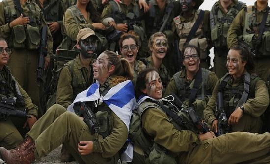 إسرائيل تستعد لنشر كتائب دبابات نسائية على الحدود مع الأردن