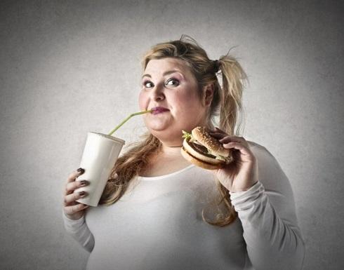 5 أخطاء توقفي عنها فورا تؤدي لزيادة الوزن فى العزل المنزلى