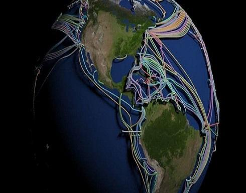عالم غارق في الكابلات.. خارطة 3D مذهلة للكرة الأرضية