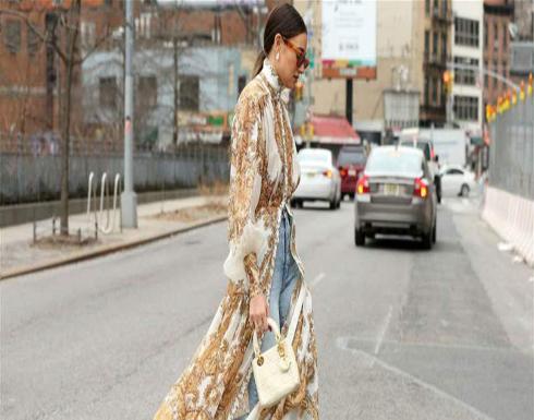تمامًا كالنّجمات.. كيف تنسّقين البنطلون مع الفستان هذا الصّيف؟