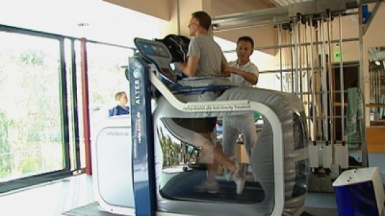 جهاز يساعد مرضى الفصال العظمي على الحركة دون آلام