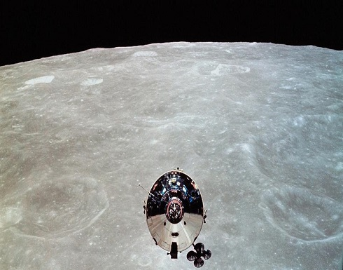 مجهول قرر السياحة حول القمر.. وتكهنات بشأن جنسيته