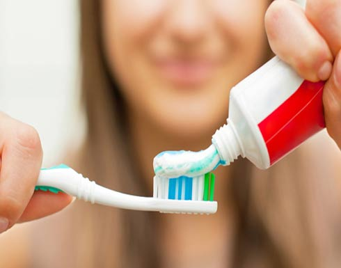 """من الماء إلى معجون الأسنان.. العلم يحذر من """"الجرعة الزائدة"""""""