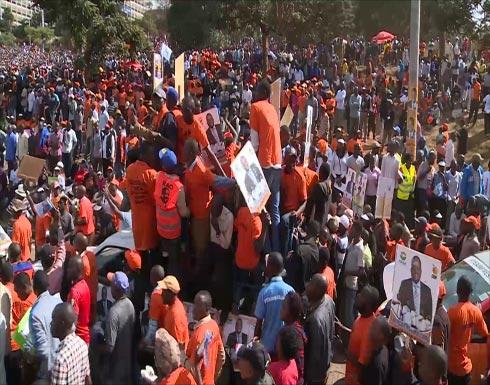 الكينيون يواصلون انتخاب رئيسهم وسط استنفار أمني