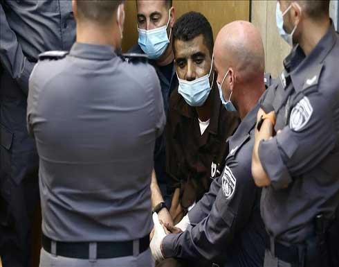مسؤول فلسطيني: الأسير زكريا الزبيدي مضرب عن الطعام