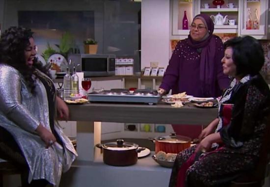 """اضحك مع شيماء سيف ومشكلتها مع """"حزام الطائرة""""… فيديو"""