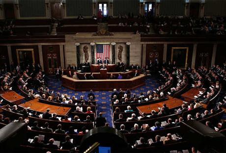 إيران: تمديد الكونجرس الأمريكي قانون العقوبات ينتهك الاتفاق النووي