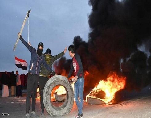 متظاهرو العراق يتحدون الطقس.. واستمرار إغلاق طرق وجسور