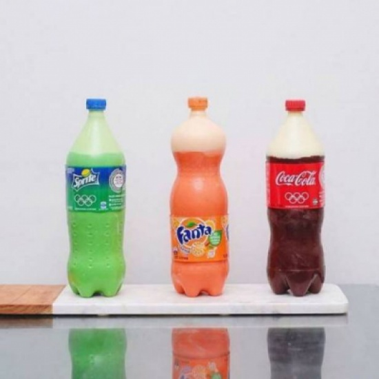 بالصور الصادمة: لن تصدق ما بداخل هذه المشروبات الغازية!!!