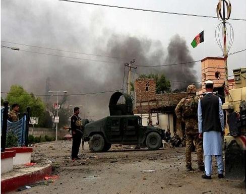 الحكومة الأفغانية تحمل طالبان مسؤولية تفجير انتحاري بسيارة مفخخة في ولاية لوغر