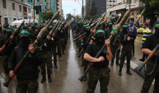 أصوات بإسرائيل ترفض التلويح بالحرب ضد حماس