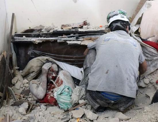 مئات الضحايا بغارات النظام وروسيا على حلب
