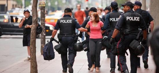 القبض على سيدة حامل تستغل إطارات السيارات في الإتجار بالبشر