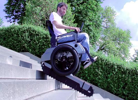 صورة: باحثون ألمان يطورون مقعدًا متحركًا يصعد الدرج