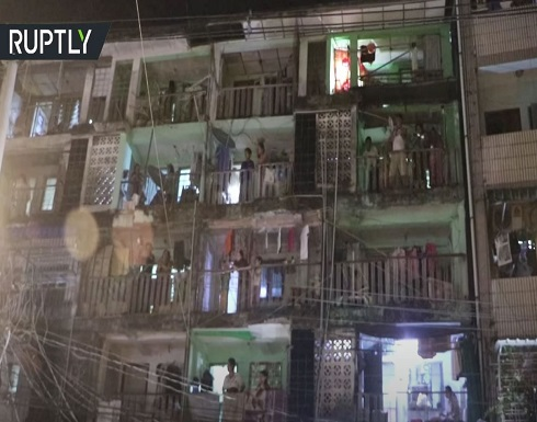 شاهد : مواطنو ميانمار يحتجون ضد الانقلاب العسكري على طريقتهم