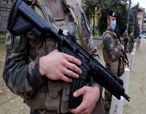 وزير الداخلية الفرنسي: بلدنا في حالة حرب