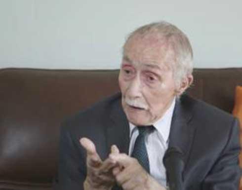 الجزائر.. وفاة عميد الحقوقيين علي يحي عبد النور