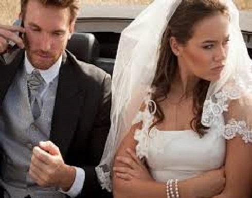 بسبب حبها للعريس.. سيدة تقتحم حفل زفاف وتحاول ضرب العروس.. شاهد