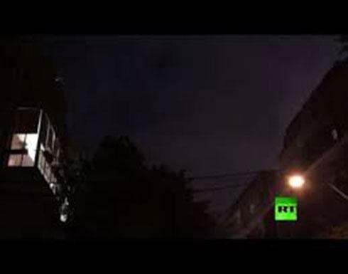 بالفيديو : صفارات الإنذار في تل أبيب بعد رصد إطلاق صاروخين قطاع غزة