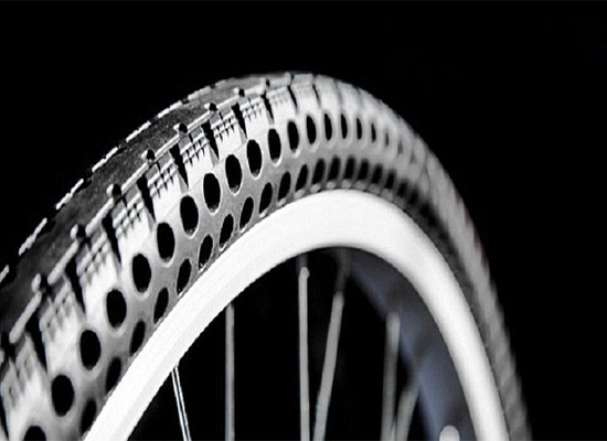 بالصور: ابتكار إطارات دراجات هوائية بلا هواء