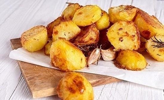 خطأ فادح عند سلق البطاطا