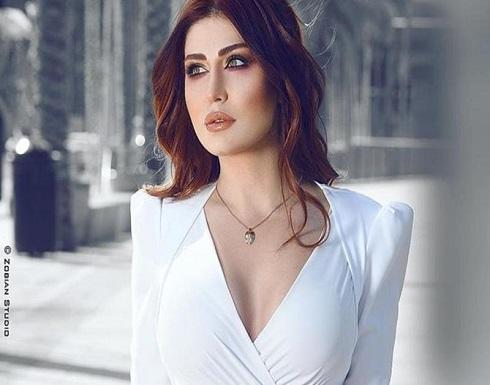 هبة نور باطلالة فاتنة مثيرة كشفت عن سيقانها .. شاهد
