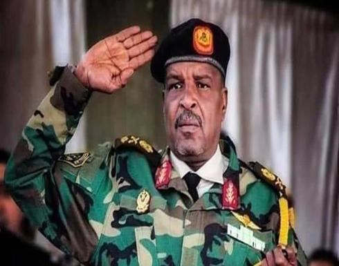 شاهد : لحظة وفاة قائد صاعقة قوات حفتر خلال حفل في بنغازي