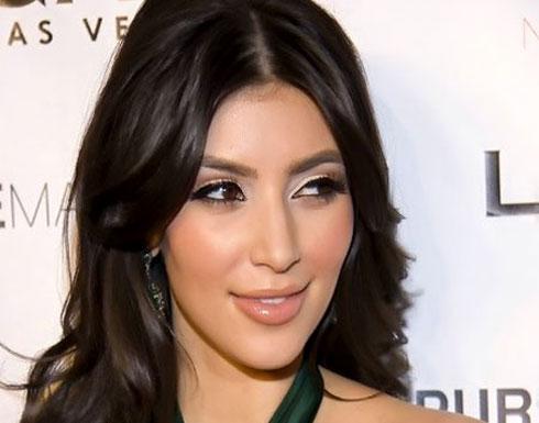 بالفيديو: كيم كارداشيان تتحول لإحدى أميرات ديزني