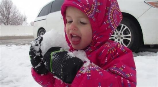 هل يُمثل أكل الثلج خطراً على الصحة؟