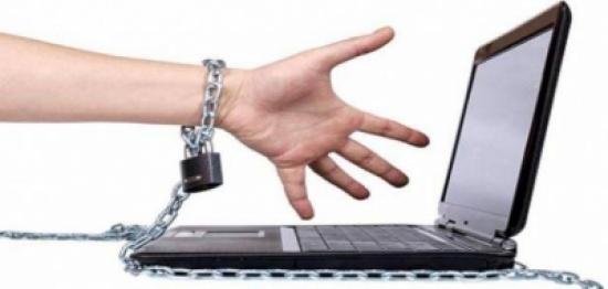إدمان الانترنت وعلاقته بالاكتئاب لدى المراهقين!