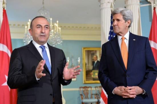 جاويش أوغلو وكيري يبحثان آخر المستجدات في سوريا والعراق