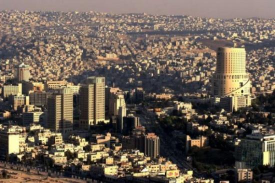 شاب أردني ينقذ زوجة مواطن سعودي بعد تصادم مروري في عمان