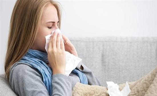 نزلات البرد أبرزها.. علامات مهمة على أن جسمك مرهق للغاية