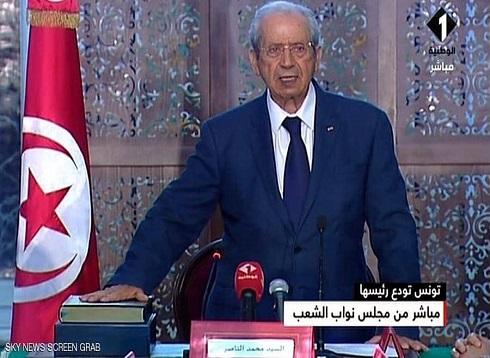 الرئيس التونسي المؤقت يؤدي اليمين الدستورية