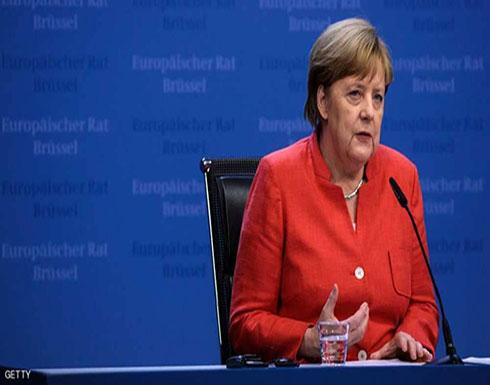 """ميركل تتفق مع 14 دولة على """"إعادة اللاجئين"""""""