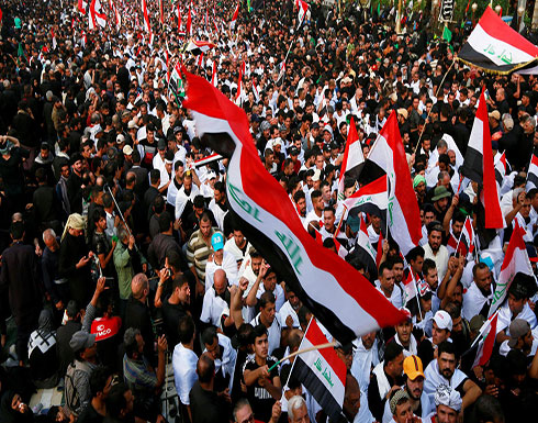 بالفيديو : مقتل متظاهر وتعرض آخرين للطعن في بغداد