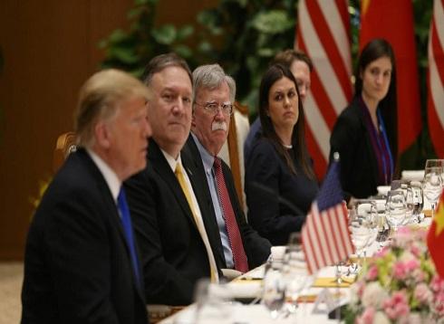 ترامب ينفي وجود خلافات داخل إدارته بشأن التصعيد مع إيران