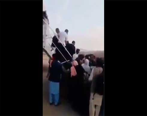 شاهد : هروب جماعي لكبار مسؤولي وقيادات إدارة كابل بعد هجوم طالبان