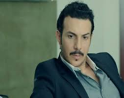شاهد.. بكاء باسل خياط في اول ظهور له بعد وفاة والده