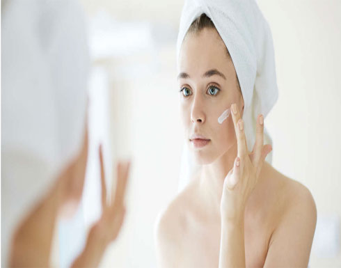 تجنّبي هذه المكونات في مرطب بشرتكِ