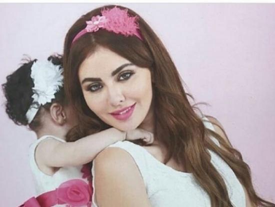بالفيديو.. هكذا إحتفلت مريم حسين بعيد ميلاد إبنتها على شاطئ البحر